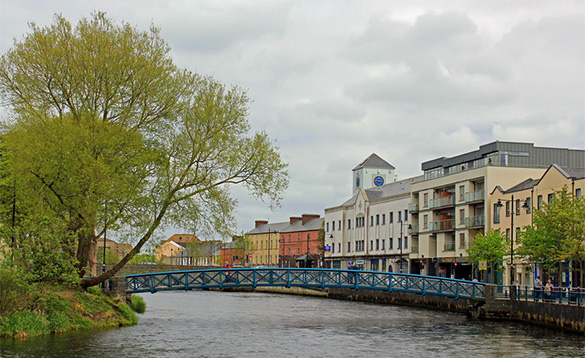 Blue bridge over the Garavogue River in Sligo/