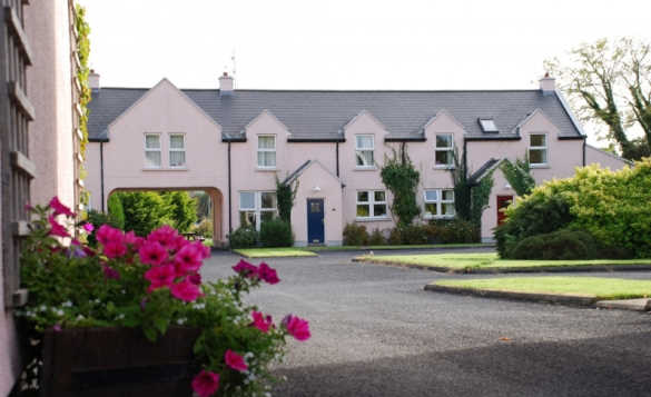 The self-catering Courtyard Cottages at AnnaCarriga in Killaloe/