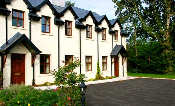Quay self- catering cottages at AnnCarriga in Killaloe/