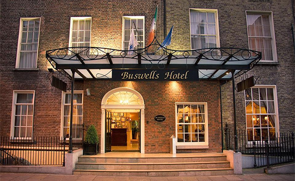 Steps leading to the entrance of the Buswells Hotel in Dublin/