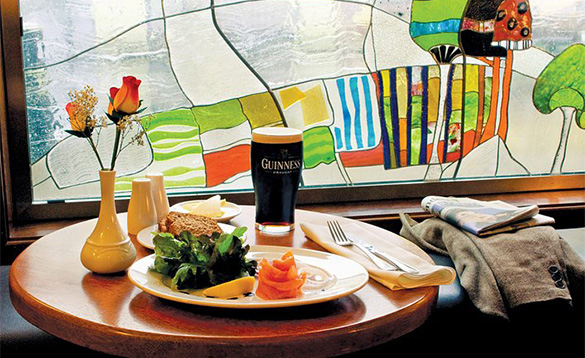 Pub lunch at the Clew Bay Hotel with smoked salmon, bread and a pint of Guinness/