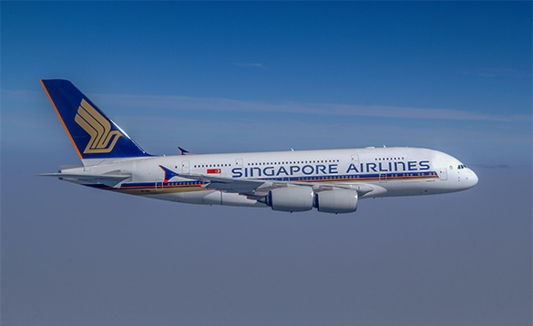 Singapore airlines plane in flight/