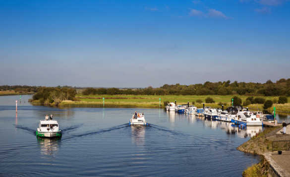 Boats moored at Shannonbridge in Co Offaly/